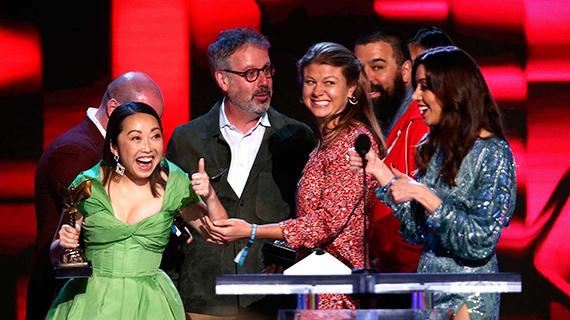 "Lulu Wang celebra el triunfo de ""The Farewell"""