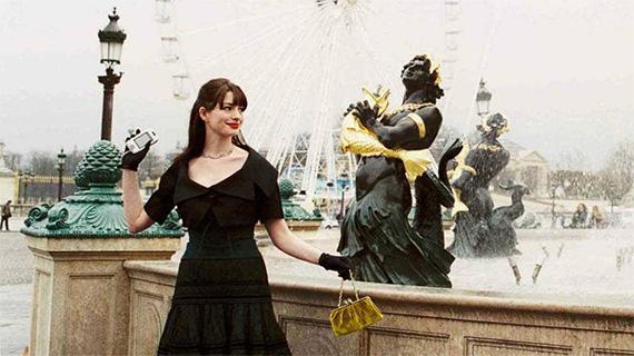 Anne Hathaway en París